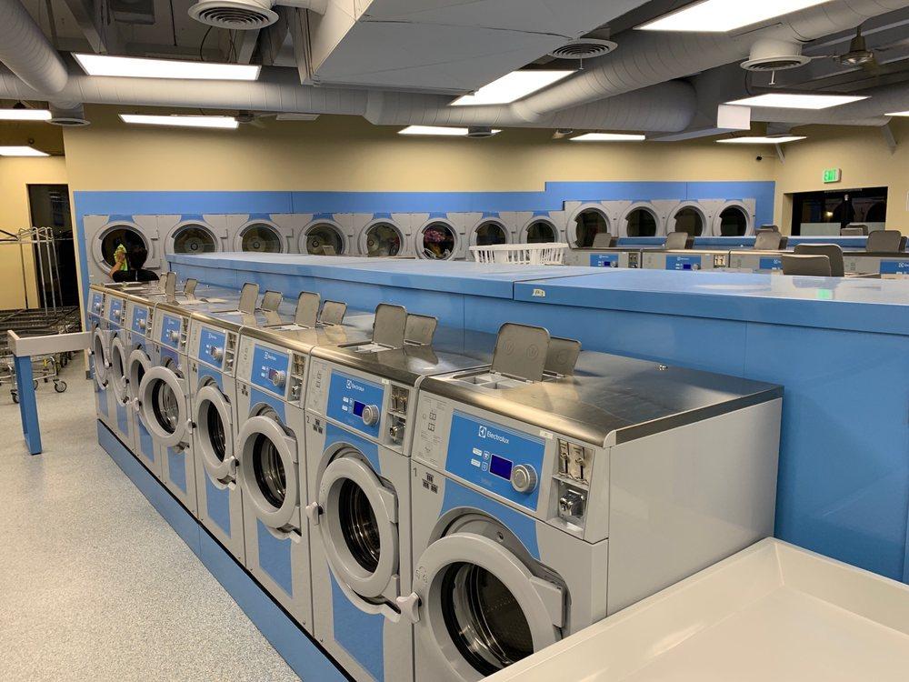 WaveMax Laundry: 10005 E Hampden Ave, Denver, CO