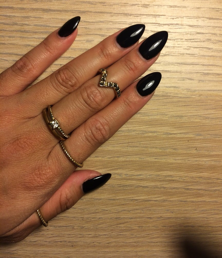 black almond shaped acrylic nails. - Yelp