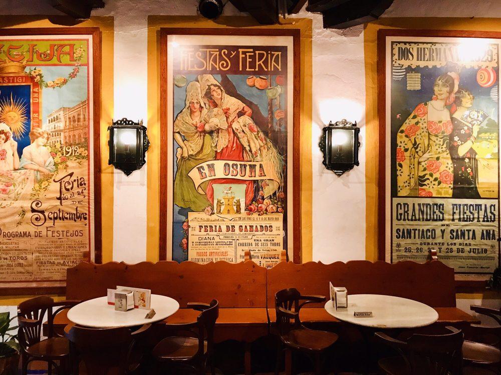 El Pimpi 302 Photos 173 Reviews Dive Bars Calle Granada 62
