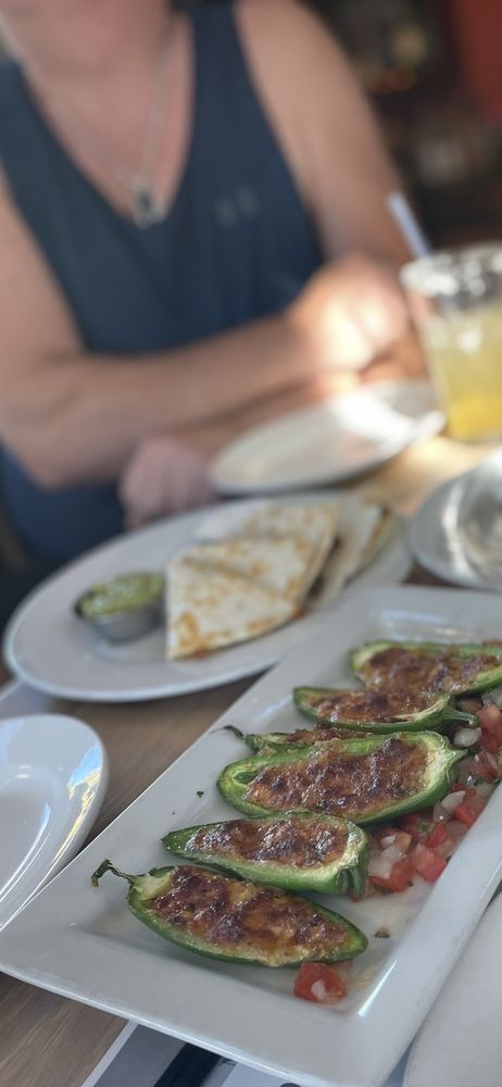 Masa Mexican Kitchen & Cantina: 317 NW Gilman Blvd, Issaquah, WA