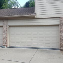 Attirant Photo Of A 1 Garage Door Repair Systems Of Michigan   Charter Township Of  Clinton