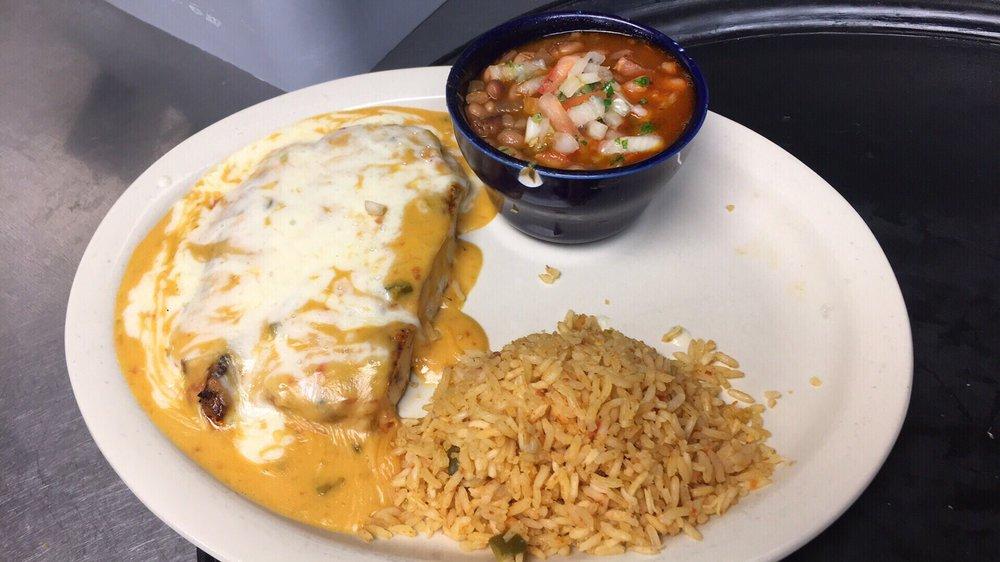 Peraltas Mexican Restaurant: 310 W Garland St, Grand Saline, TX