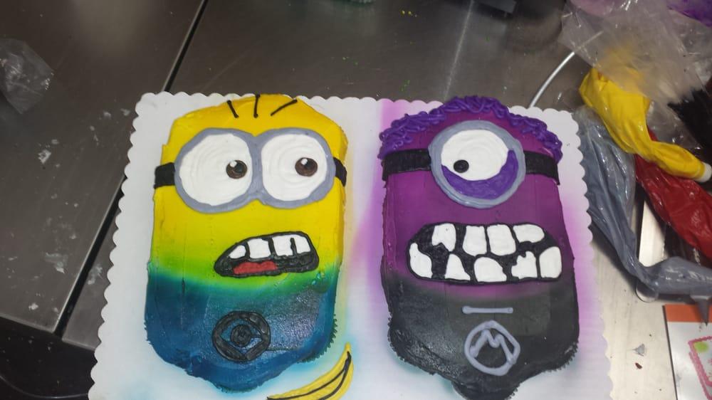 24 Ct Minion Cupcake Cake Only 1498