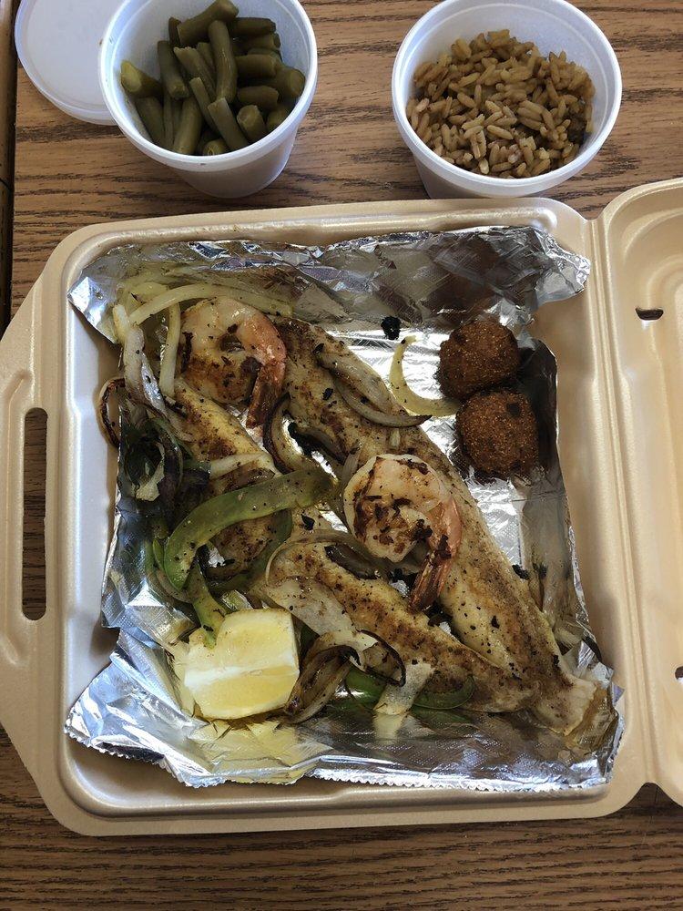 Sam's Southern Eatery: 1629 State Rt 531, Minden, LA