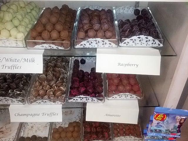 Kerri S Kandies 11 Reviews Candy Stores 2160 Rte 112