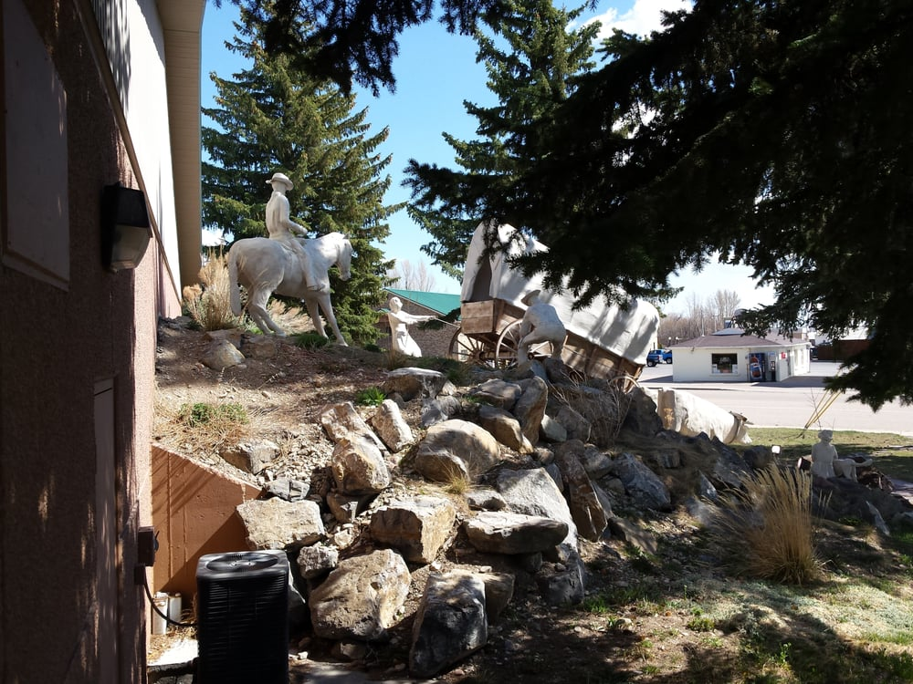 National Oregon California Trail Center: 320 N 4th St, Montpelier, ID