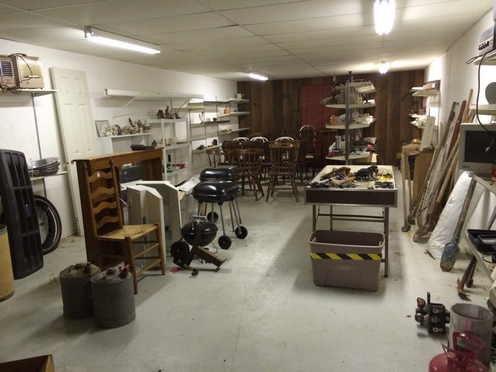 Dutchman's Antiques & Trading Post: 213 N 1st St, Pulaski, TN