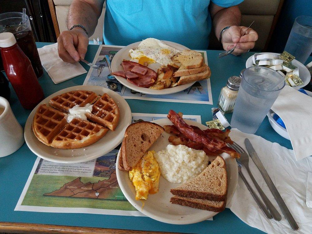 Southern Pancake and Waffle House: 1605 Richmond Rd, Williamsburg, VA