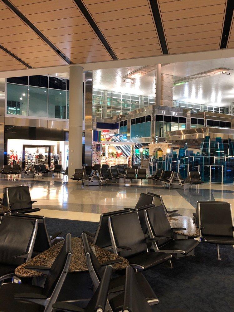 Dallas Fort Worth International Airport - DFW