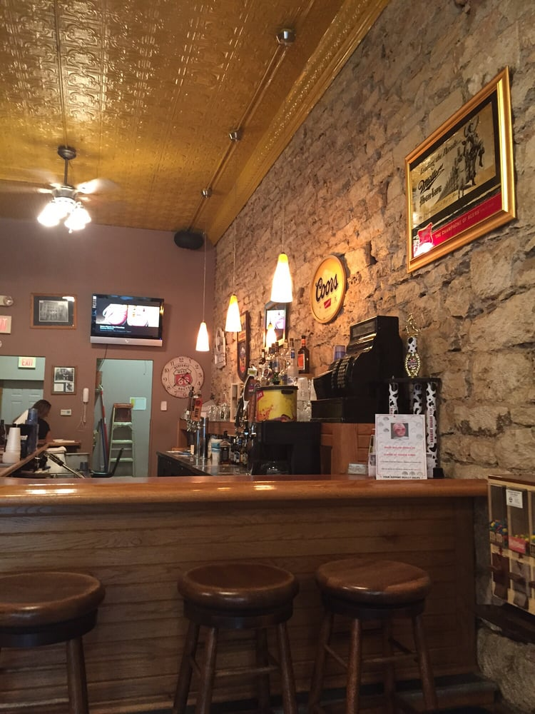 Barleycorn's Downtown Bar & Deli: 410 Lincoln St, Wamego, KS