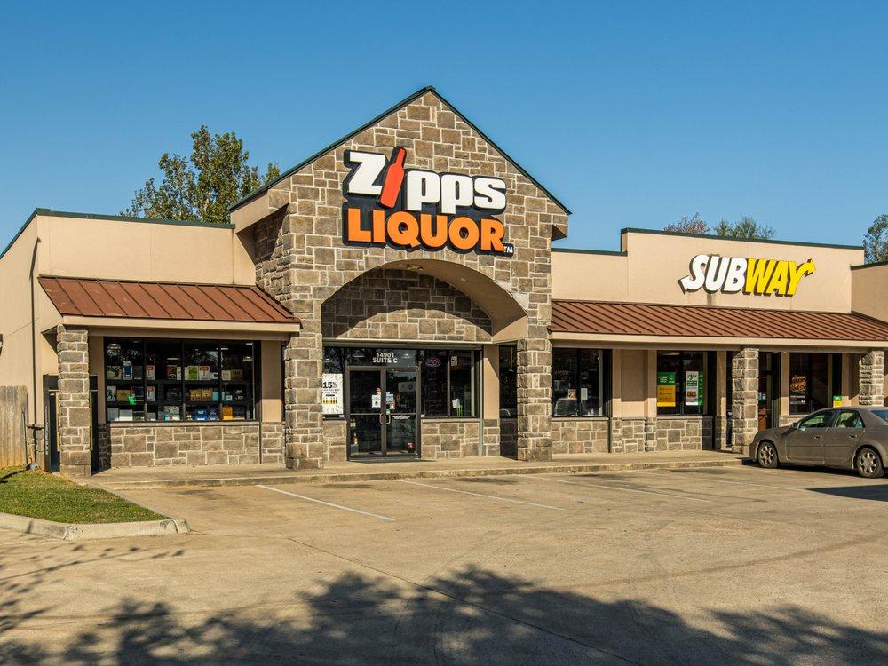 Zipps Liquor: 14901 Hwy 150, Coldspring, TX