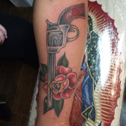 Love n hate tattoo studio lukket 10 billeder for Love n hate tattoo