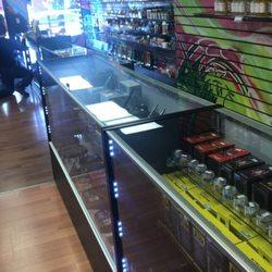 Wonderland Smoke Shop - 314 Ludlow Ave, Clifton, Cincinnati