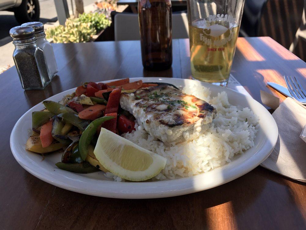 El pescador fish market restaurant 929 kuvaa 657 for Fish restaurant la jolla