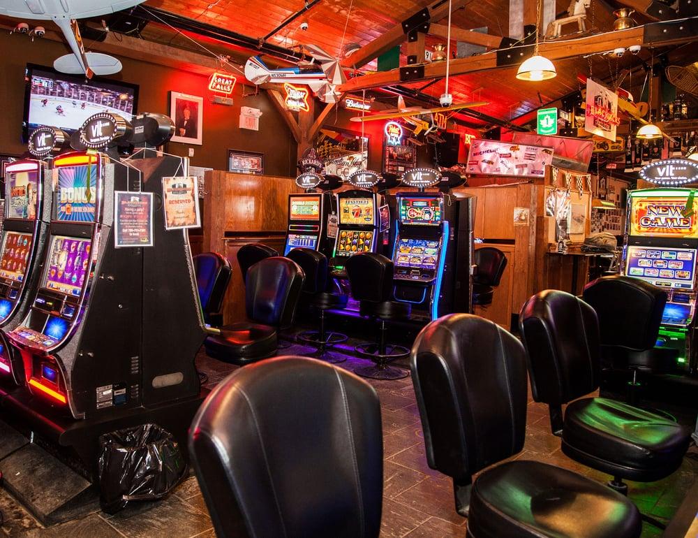 Blackjacks Roadhouse Games Room Nisku Ab