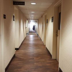 Photo Of Hampton Inn By Hilton Elgin Il United States Hallway At