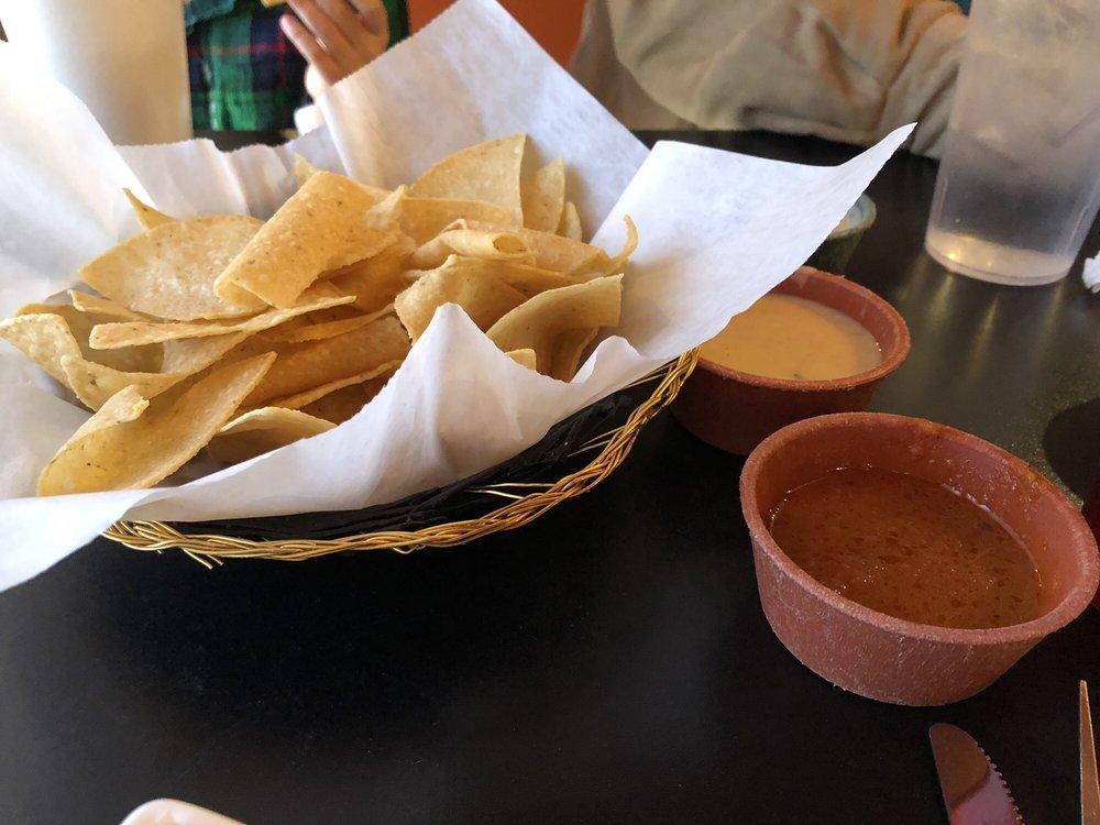 Tu Familia Mexican Restaurant: 111 SW Lee Blvd, Lawton, OK