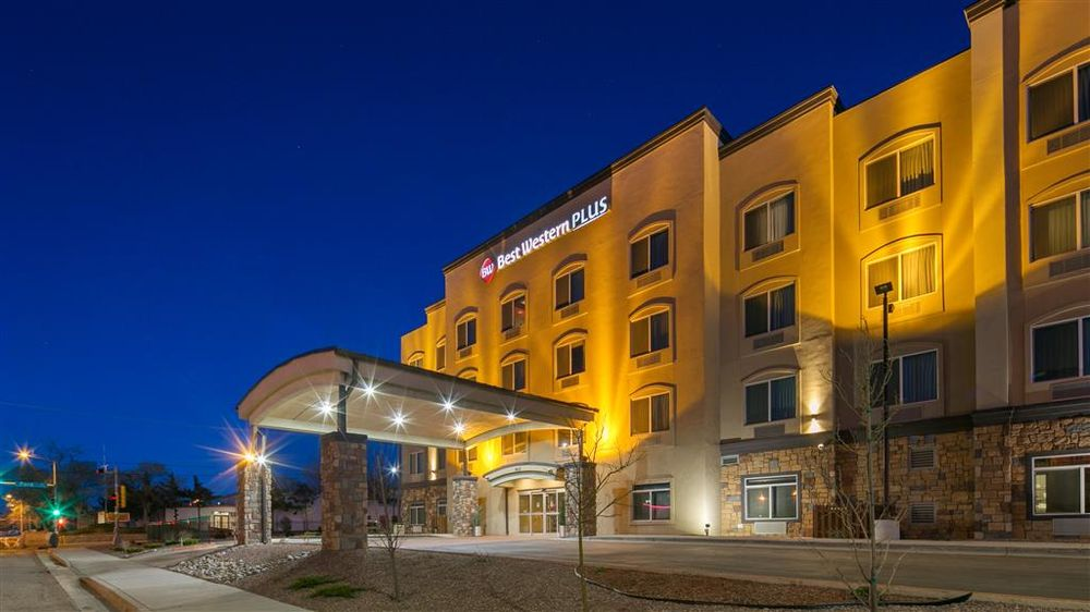 Best Western Plus Gallup Inn & Suites: 910 E Aztec Ave, Gallup, NM