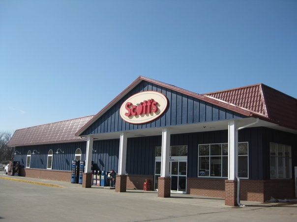 Scott's Hometown Foods: 215 N Harrison St, Lindsborg, KS