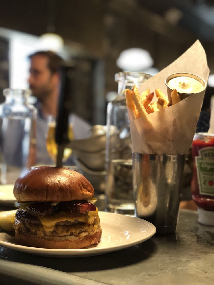 Social Spots from Au Cheval