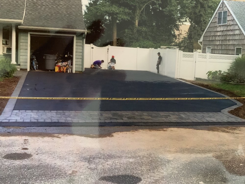 Asphalt driveway with Cambridge armortec paver apren and border - Yelp