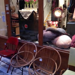 marie et benoit linens 6 passage du grand cerf. Black Bedroom Furniture Sets. Home Design Ideas