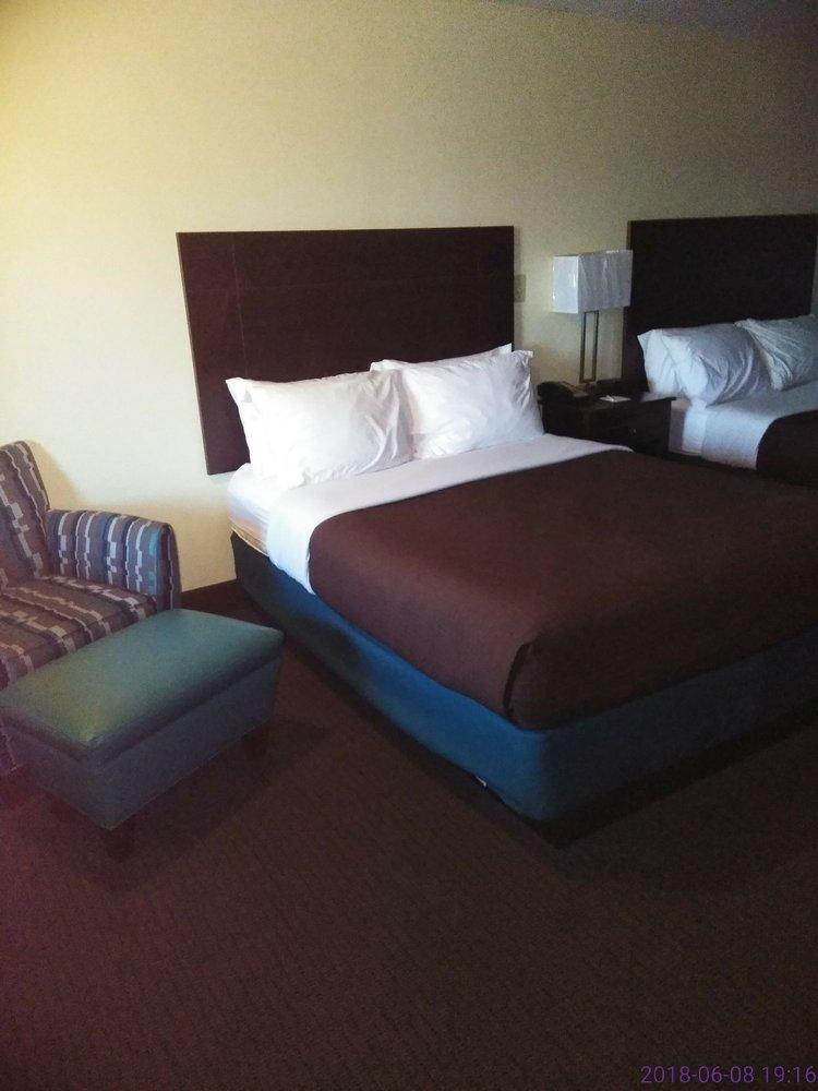 Americas Best Value Inn: 695 Hwy 6 E, Batesville, MS