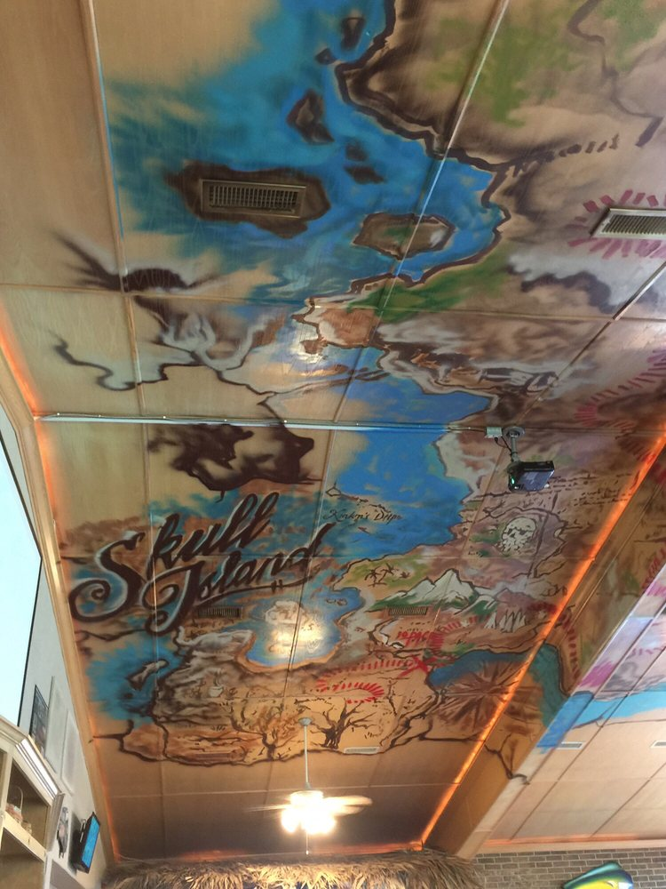 SneakyTiki Restaurant & Brewery: 3263B US-70, Mead, OK