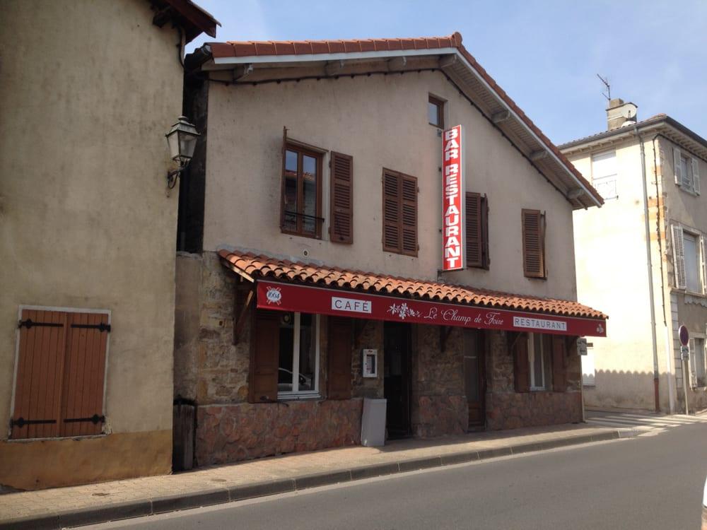 Restaurant le champ de foire french 24 rue victor hugo for Restaurant le miroir rue des martyrs