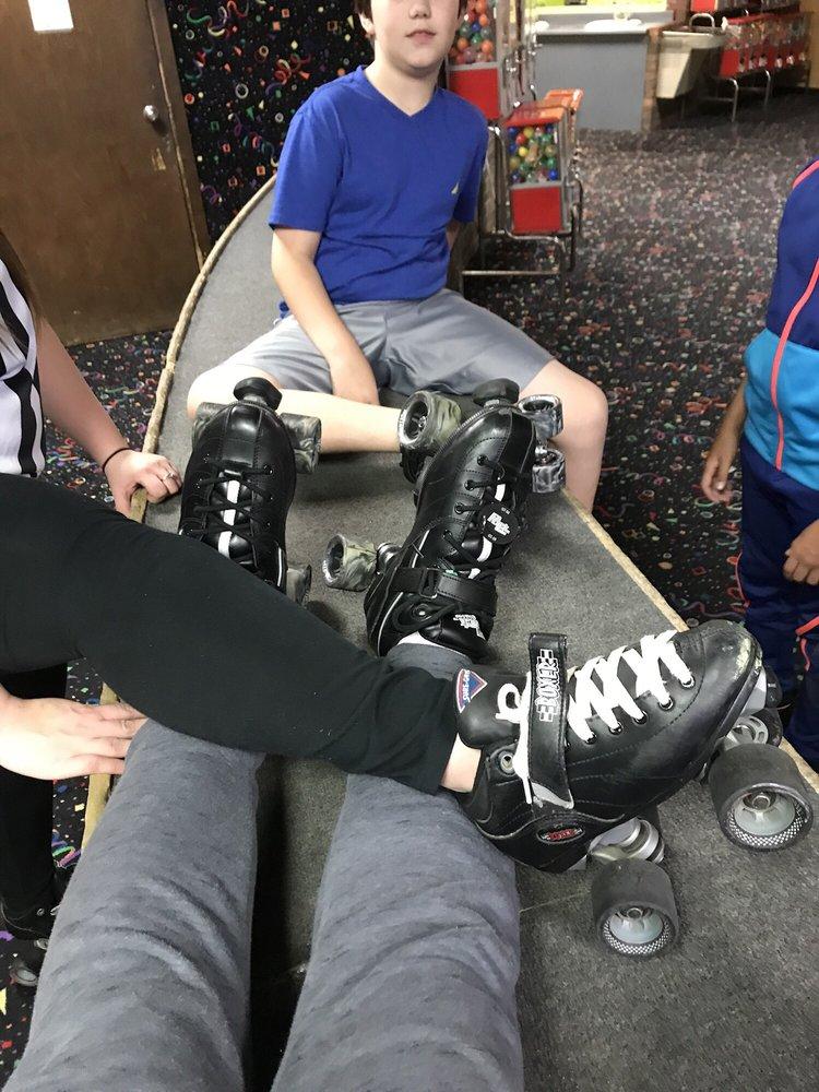Christiana Skating Center: 801 Christiana Rd, Newark, DE