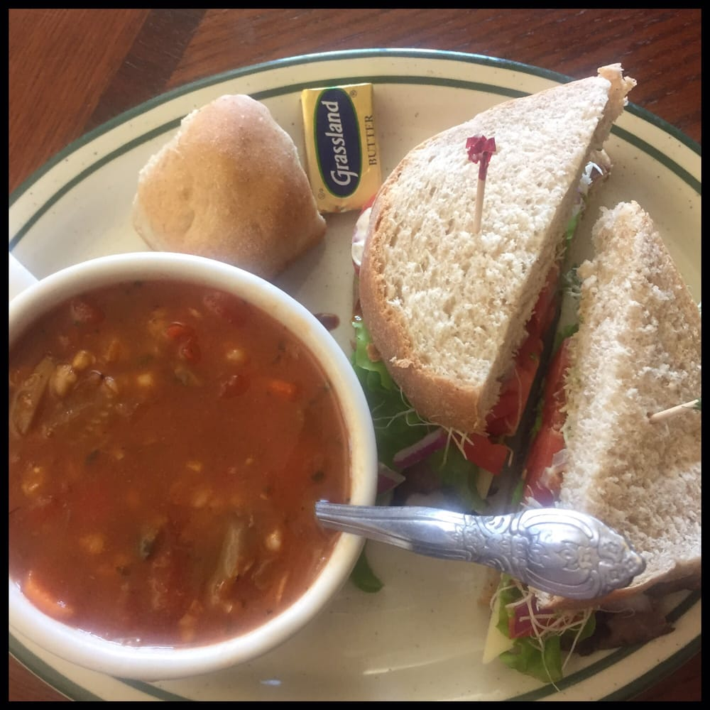 Cafe Rosetta: 102 5th St, Calumet, MI
