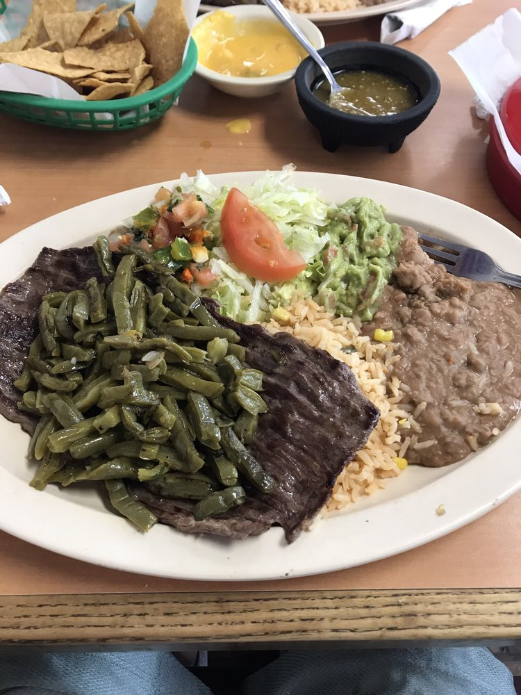 Taqueria Tapatia: 1105 Ward Rd, Baytown, TX