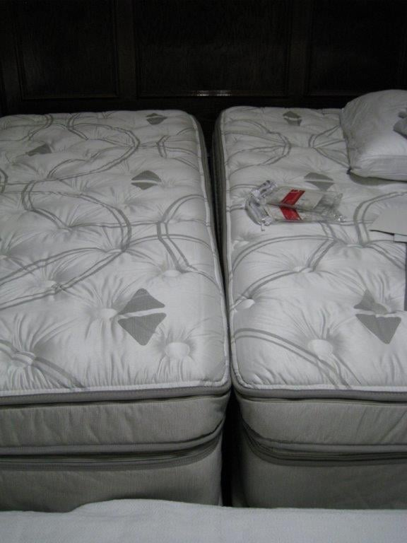 Sleep Number I10 Split King Bed With Adjustable Base The Base Is
