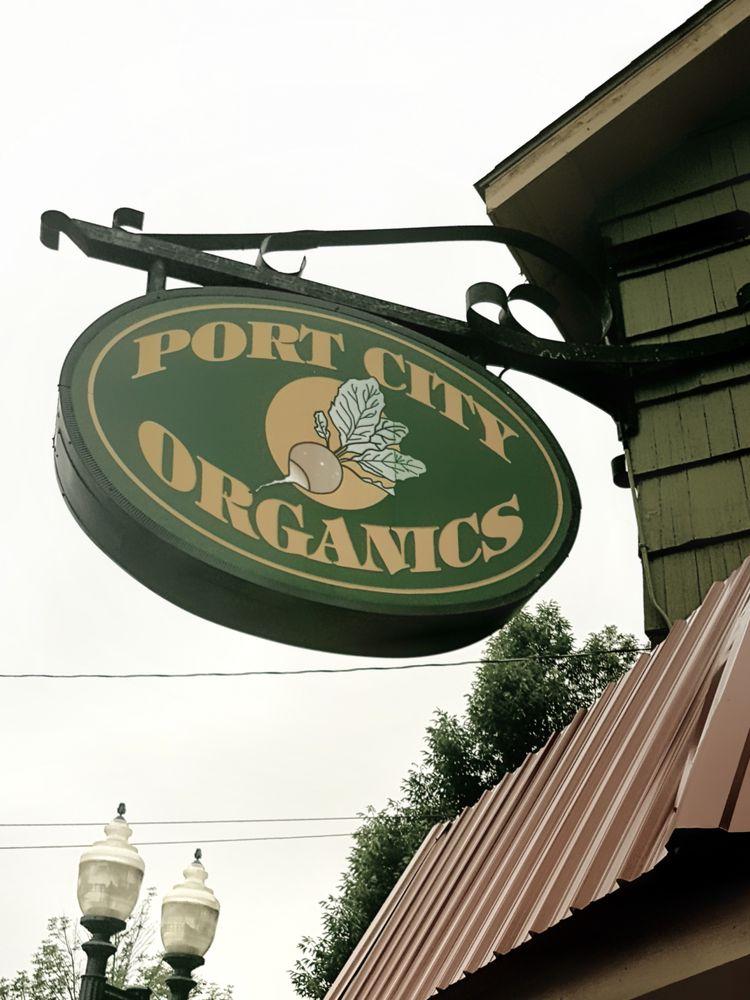 Port City Organics Real Food Market: 328 1st St, Manistee, MI