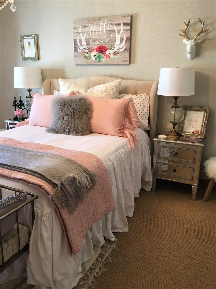 Layers beautiful bedding at gardner village 61 fotos for Decoracion del hogar leticia