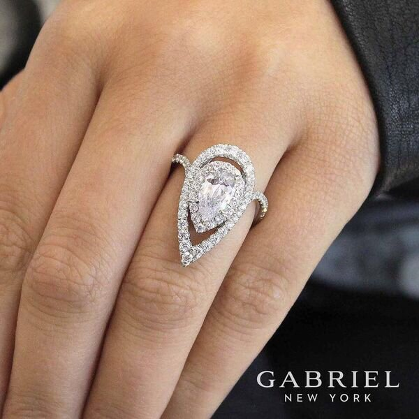 Beautiful Pear Shaped Diamond Engagement Ring Come In Today To See