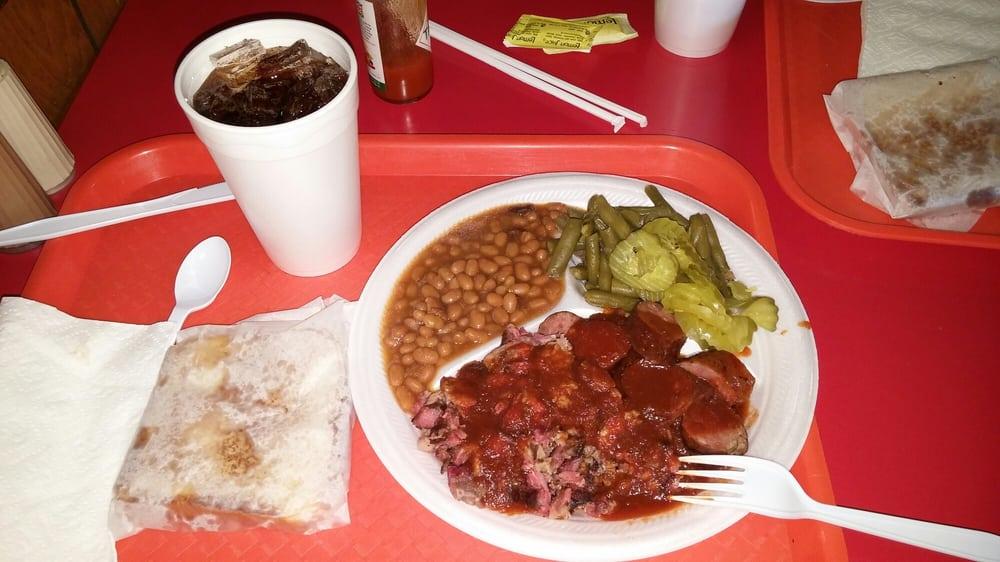 Still Smokin BBQ: 212 S Hickory St, Abbott, TX