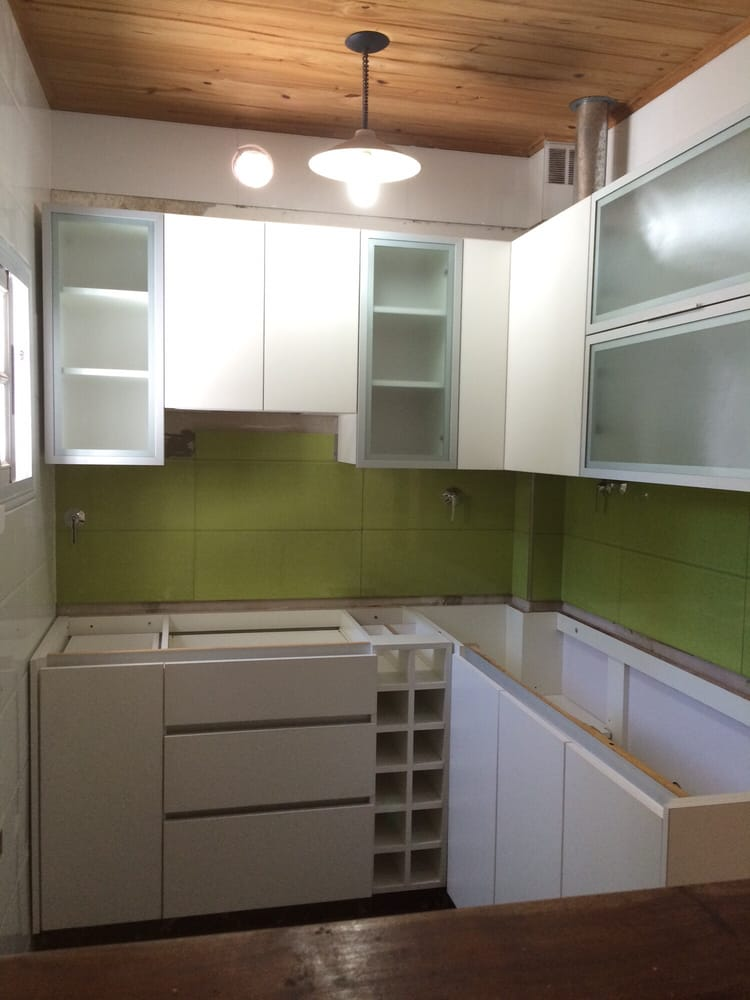 Photo Of Mirvier Cocinas U0026 Closets   Banfield, Argentina. Mueble De Cocina  Melamina Blanca