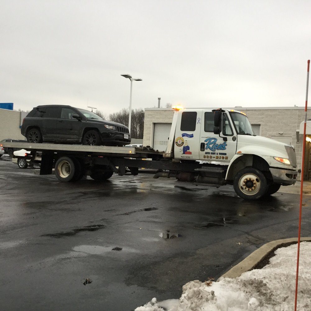 Richs Auto Body & Towing