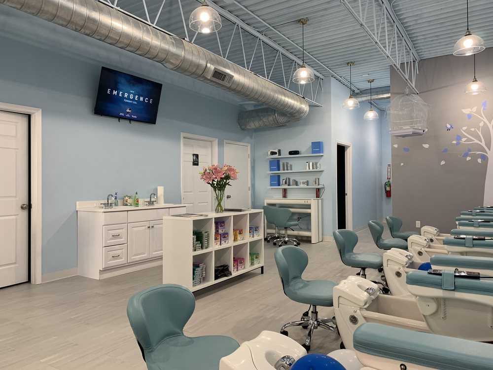 Sky Nail & Facial: 2333 N College Ave, Fayetteville, AR