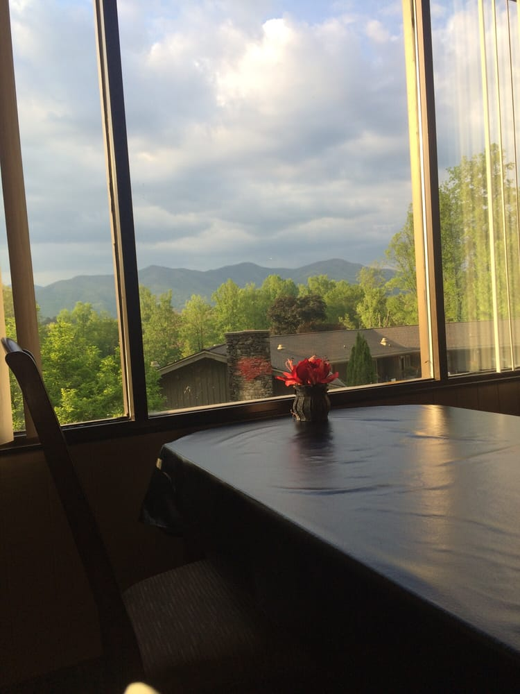 The Mountview Restaurant: 300 Woods Rd, Robbinsville, NC
