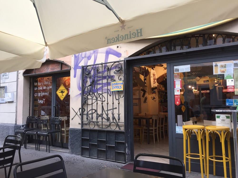 Burger Wave: Via Ascanio Sforza 47, Milan, MI
