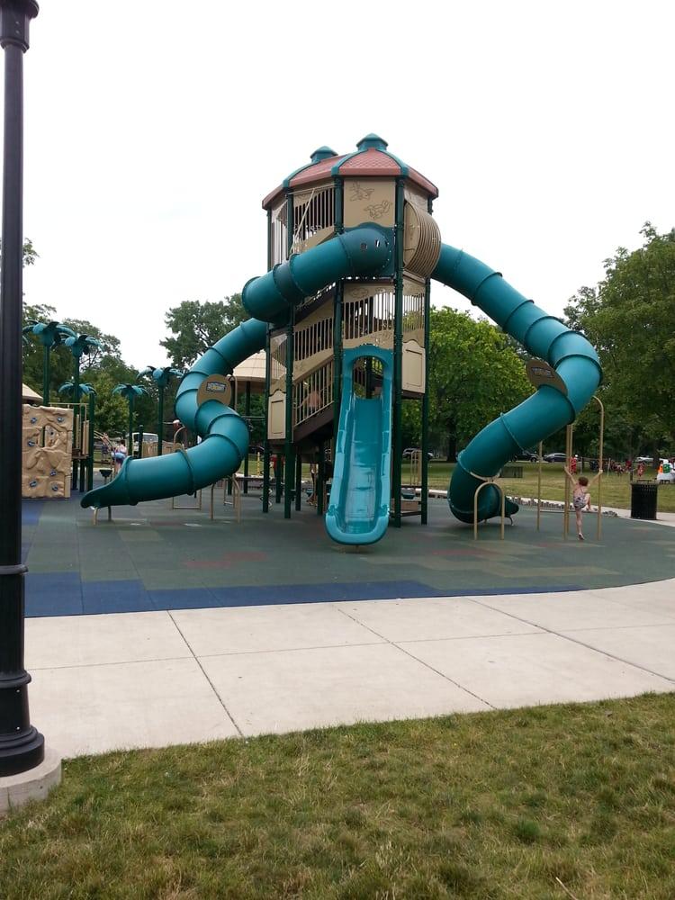 Miller Park: 1020 S Morris Ave, Bloomington, IL