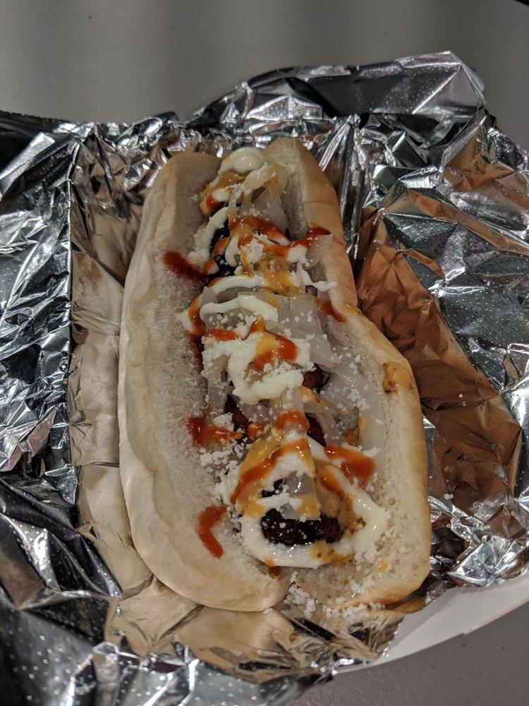 Estilo Mexico Hot Dogs: 3071 Monterey Hwy, San Jose, CA