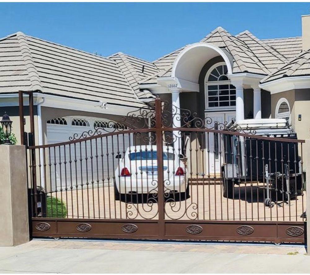 Metal Garage Doors Gates and Fences