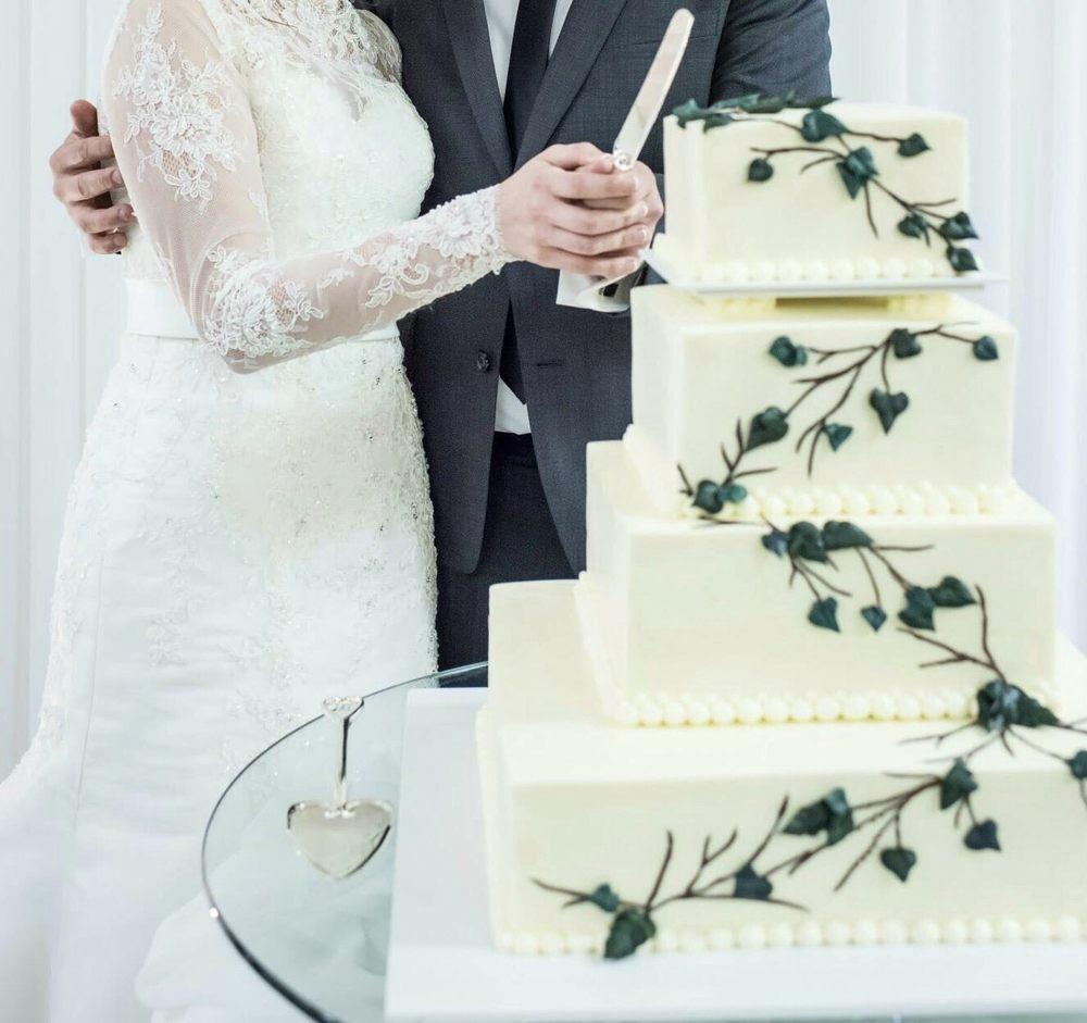 Photo Of JaCivau0027s Bakery   Portland, OR, United States. Wedding Cake Made By