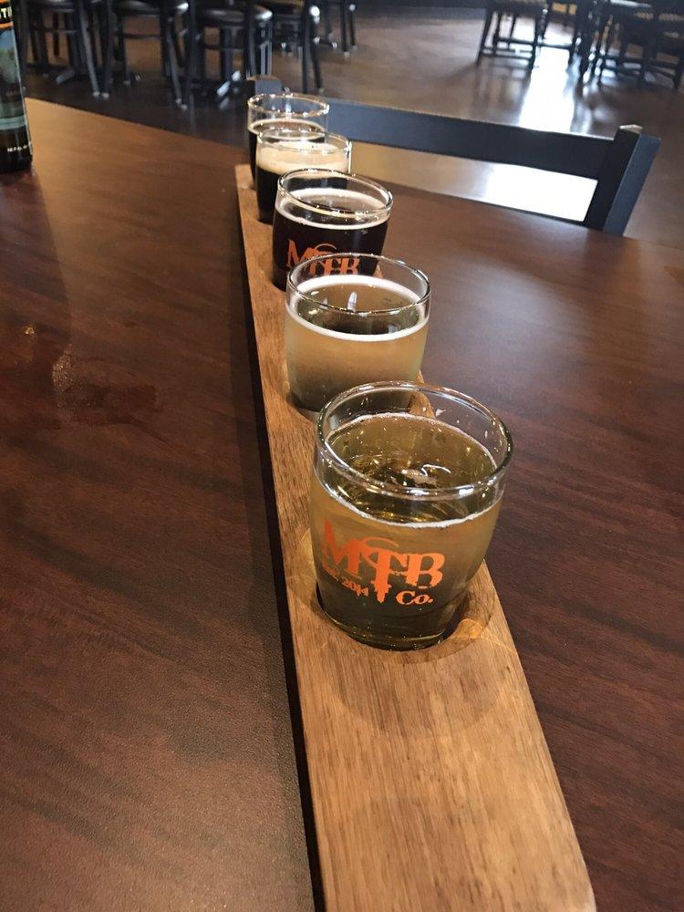 Mackinaw Trail Winery and Brewery: 3423 US Hwy 131, Petoskey, MI