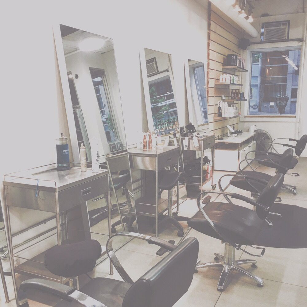 Style lab salon hairdressers 851 beatty street for A salon vancouver