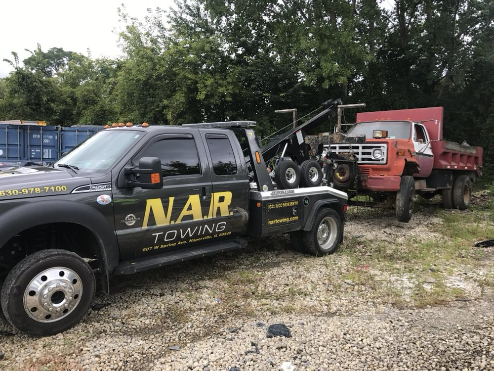 Towing business in Naperville, IL