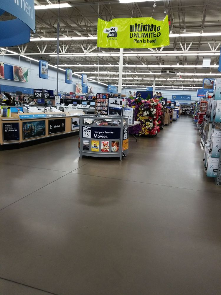 Walmart Supercenter: 16375 Merchant Ln, King George, VA